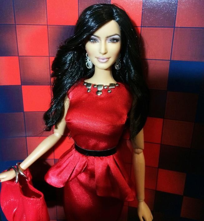 Una versione della bambola come Kim Kardashian