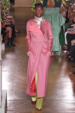 Sfilata VALENTINO Collezione Alta moda Autunno Inverno 19/20 Parigi - ISI_3402