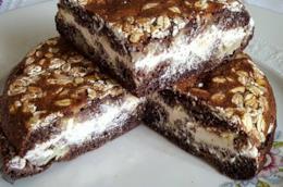 Dolce al cacao farcito con crema