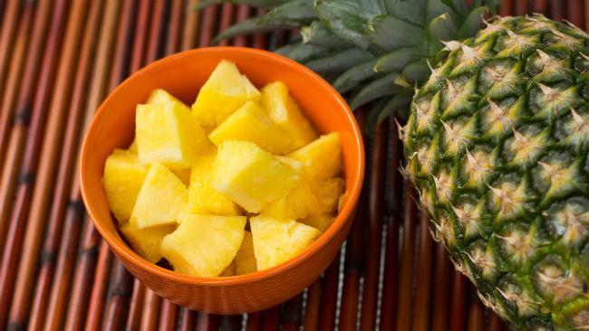 L'ananas contiene vitamina C quanto l'arancia