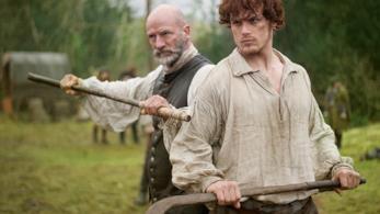 Jamie Fraser e Dougal MacKenzie in uno scatto di scena di Outlander