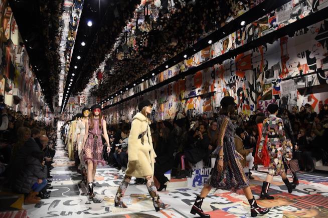 Contestazioni nella sfilata Dior