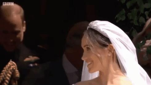 Il primo bacio di Harry e Meghan da sposati