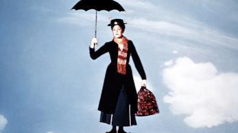 Mary Poppins vola con l'ombrello
