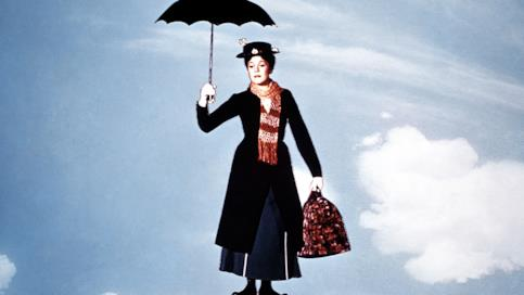 Mary Poppins vola con l'ombrello