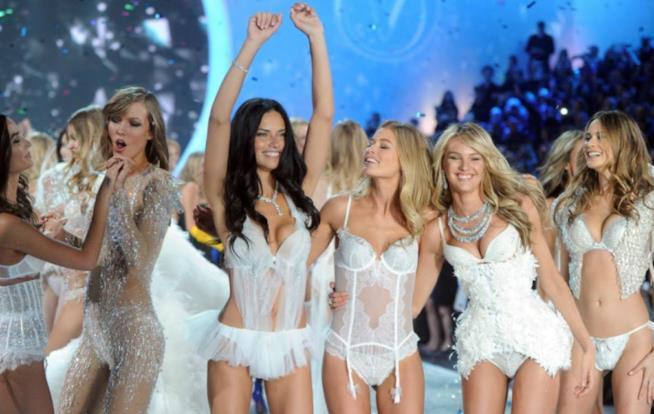 Un momento di una sfilata di Victoria's Secret