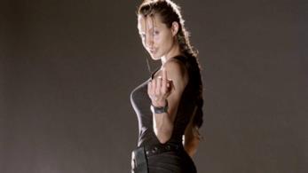 Collage di due immagini di Lara Croft