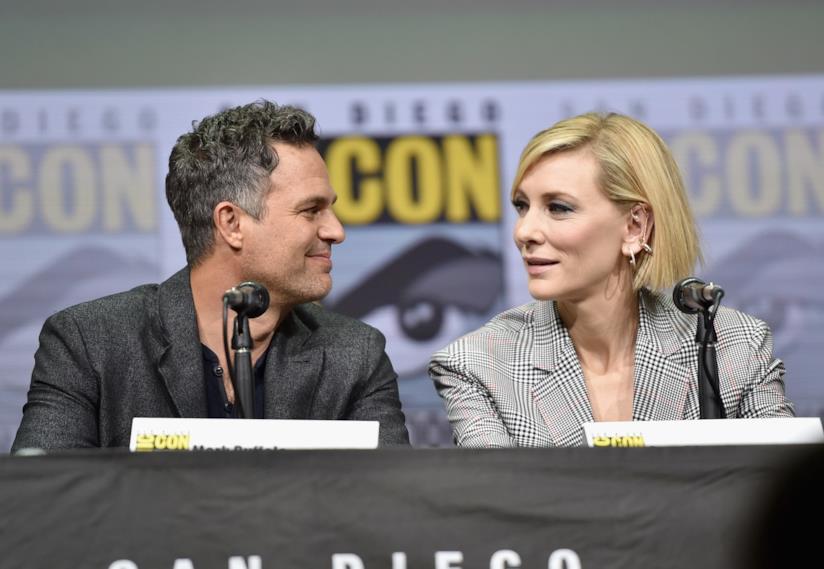 Cate Blanchett e Mark Ruffalo, rispettivamente Hela e Hulk