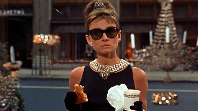 Audrey Hepburn nel film Colazione da Tiffany del 1961