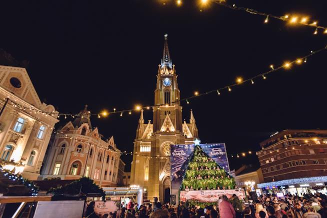 Mercato di Natale nella città vecchia di Novi Sad