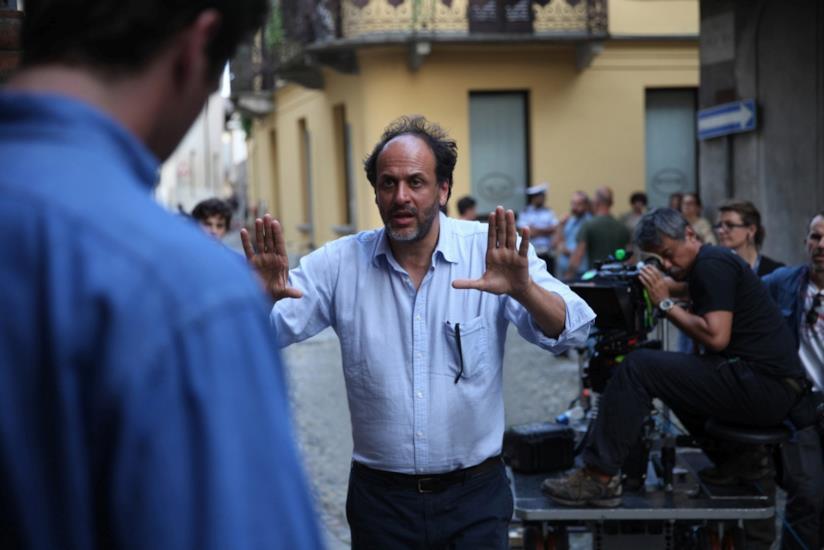 Il regista Luca Guadagnino sul set di Chiamami col tuo nome