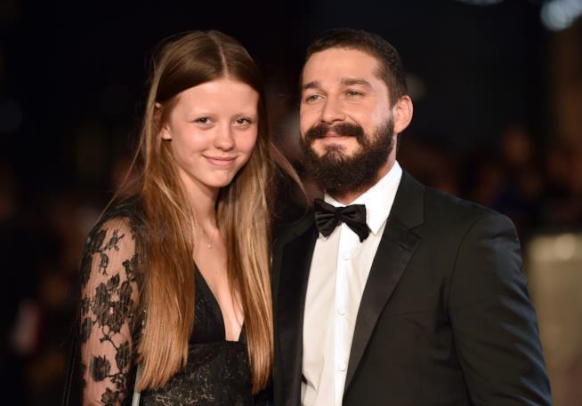 Shia LaBeouf con la moglie Mia Goth