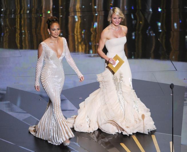 Jennifer Lopez e Cameron Diaz agli Oscar 2012