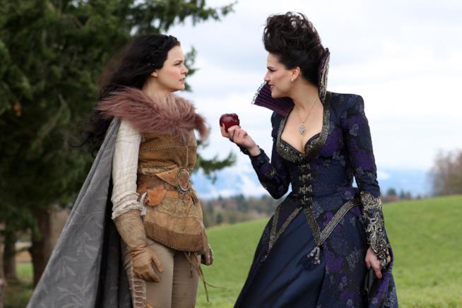 La Regina Cattiva e Biancaneve in C'era una volta