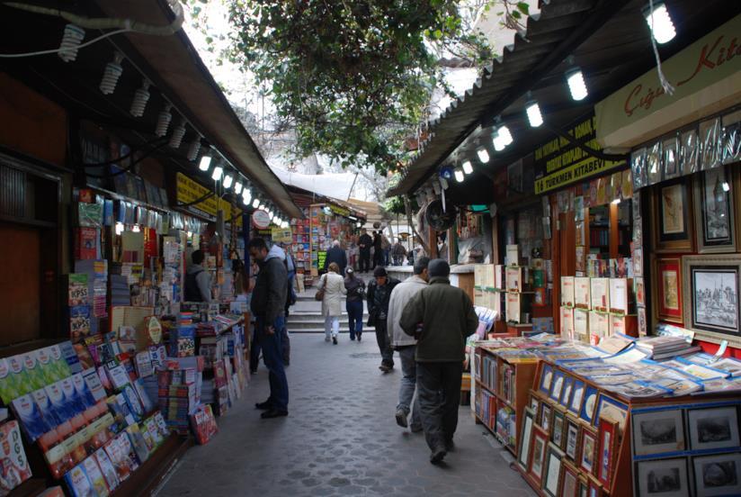 Uno dei tanti marcati di Istanbul: il Bazar del Libro