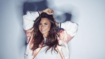 La pop star Demi Lovato in un servizio fotografico