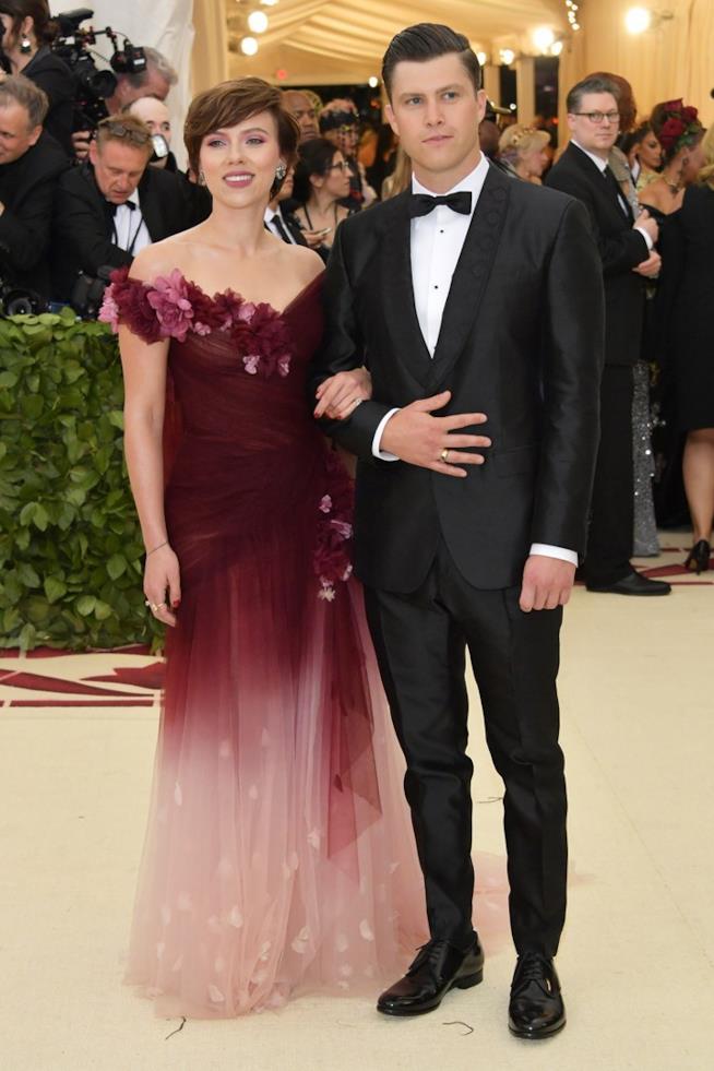 Scarlett Johansson con Colin Jost al MET Gala 2018