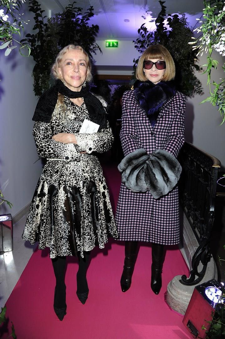Franca Sozzani e Anna Wintour insieme a una sfilata