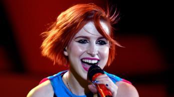 Hayley dei Paramore durante una performance