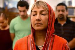 L'imam donna in meditazione