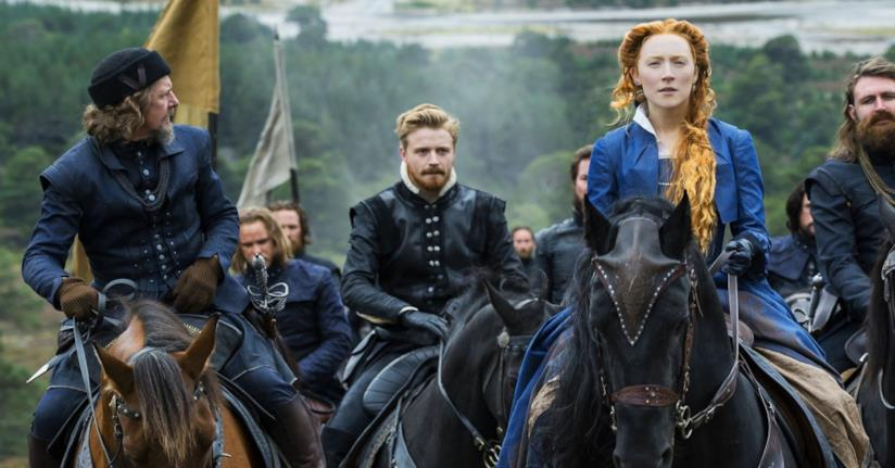 Saoirse Ronan in una scena di Mary Queen of Scots