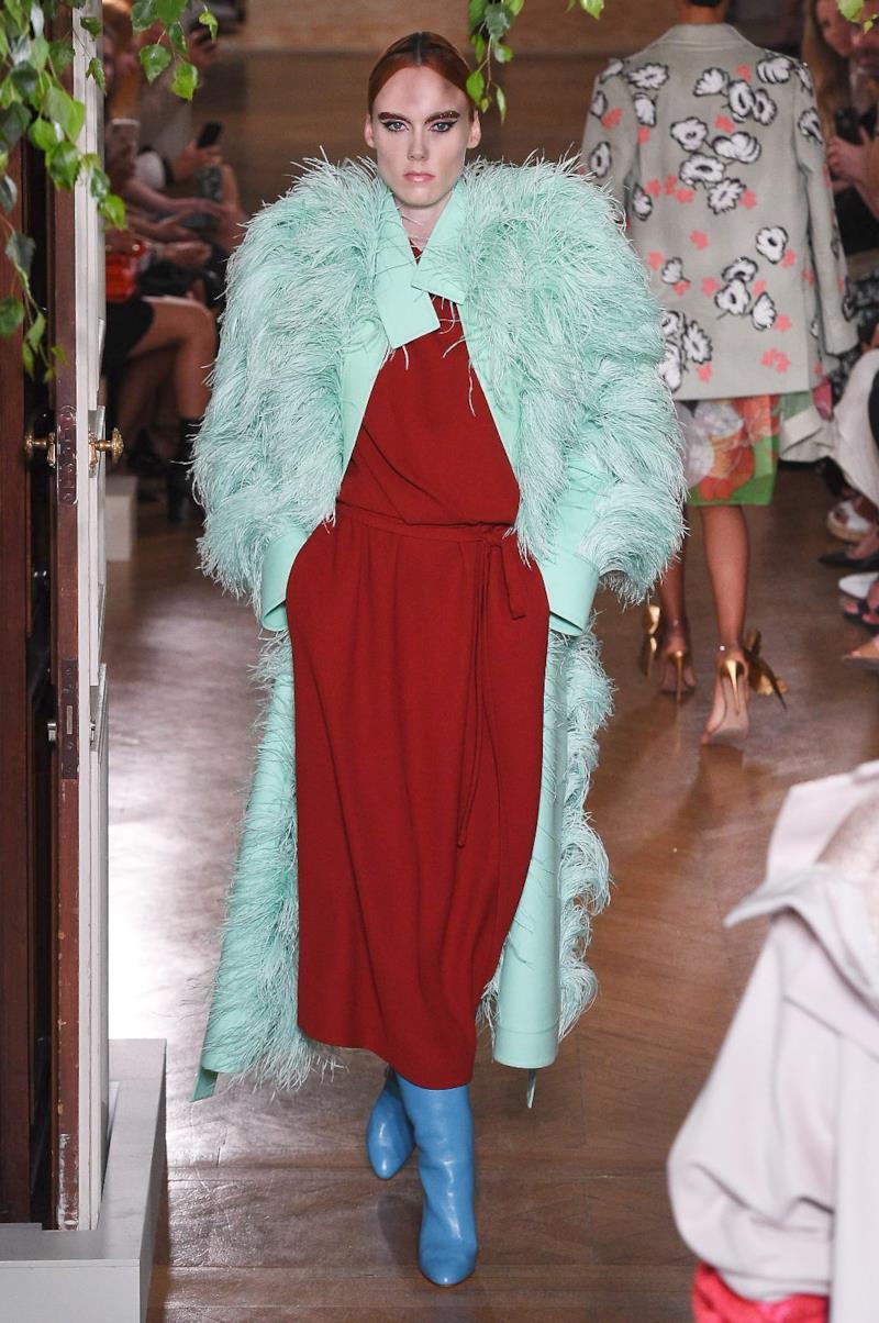 Sfilata VALENTINO Collezione Alta moda Autunno Inverno 19/20 Parigi - ISI_3440