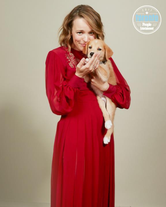 Rachel McAdams con un cucciolo