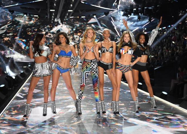 Gli Angeli di Victoria's Secret alla sfilata