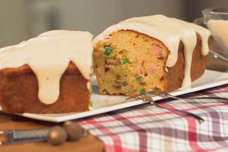 Primo piano del plumcake finto dolce