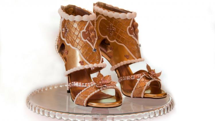 Una visione frontale dei sandali più costosi del mondo