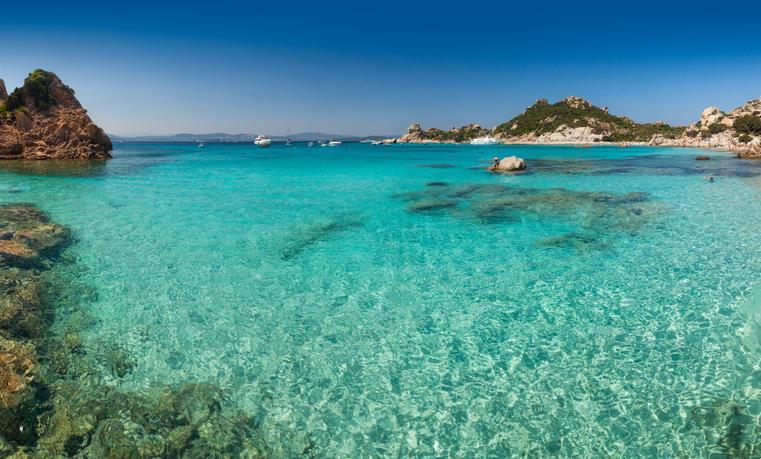 Il mare azzurro della Sardegna
