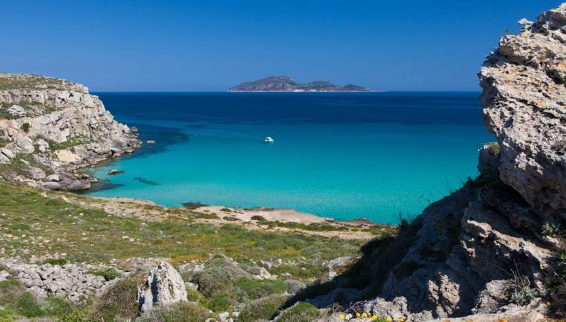 Italia,10 spiagge più belle vacanze primavera: Cala rossa, Favignana, isole Egadi