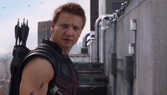 Una scena di Avengers con Jeremy Renner