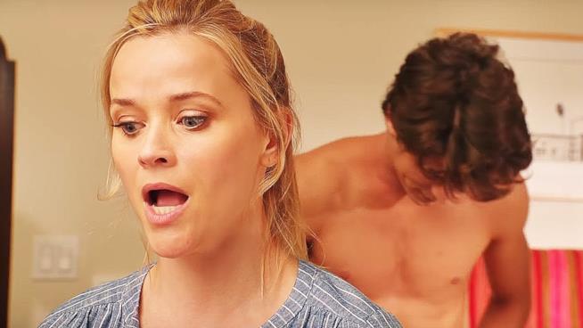 Reese Witherspoon e il giovane amante in 40 sono i nuovi 20