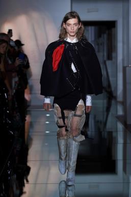 Sfilata MAISON MARGIELA Collezione Alta moda Autunno Inverno 19/20 Parigi - Margiela PO HC RF19 0001