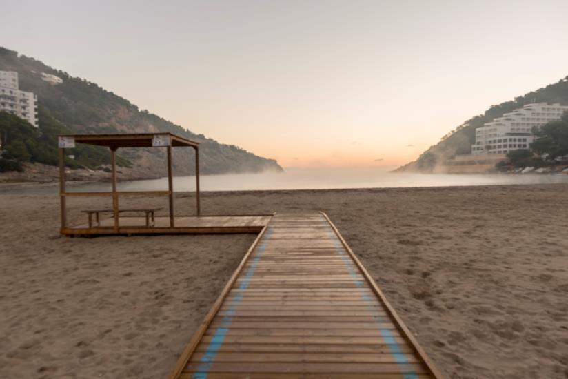 Playa de Cala Llonga, Ibiza