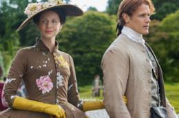 Jamie e Claire in abiti francesi per uno scatto promozionale
