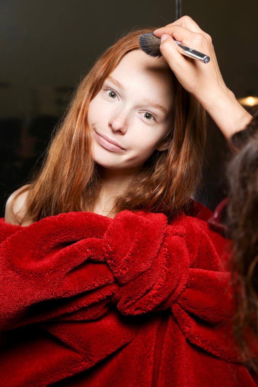 Modella con capelli ramati