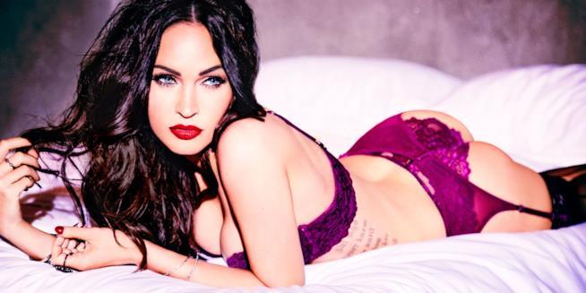 Uno degli scatti in lingerie di Megan Fox