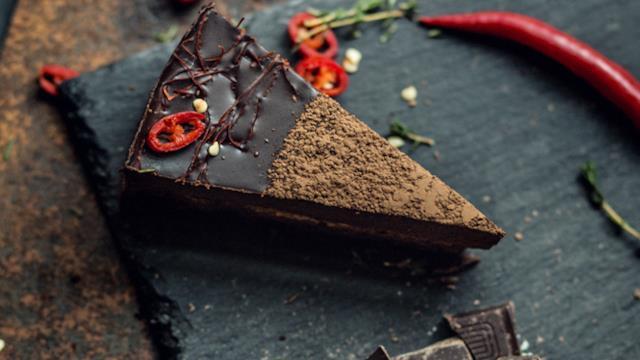 Torta cioccolato e peperoncino  il dolce per le cene romantiche a due 5f8d8201d64