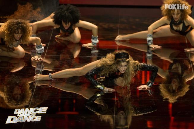 Cristina nell'esibizione singola del settimo serale di Dance Dance Dance 2