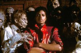 Michael Jackson assieme agli zombi di Thriller