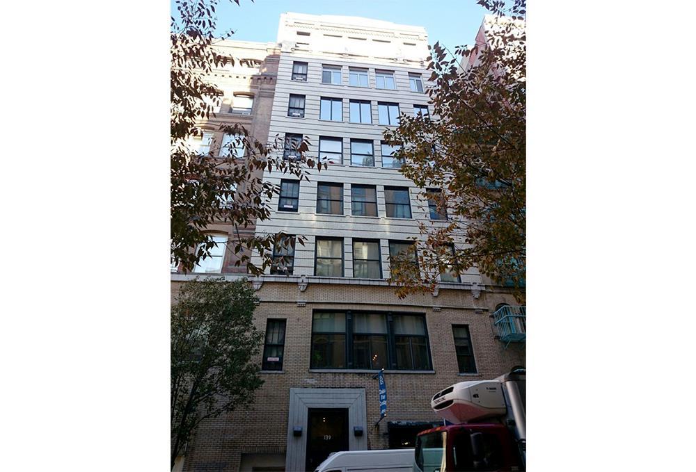 L'esterno dell'appartamento newyorchese di Gerard Butler
