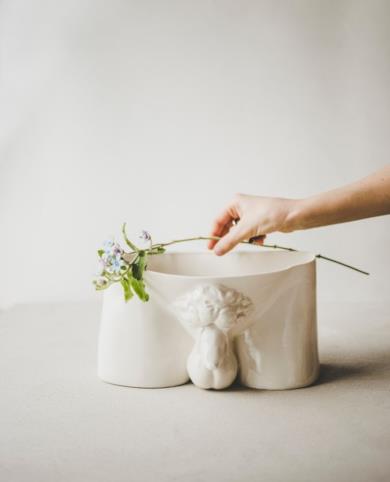 Vaso per piante erotico