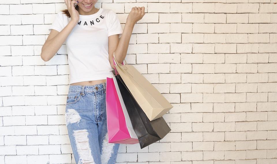 siti dove comprare vestiti americani