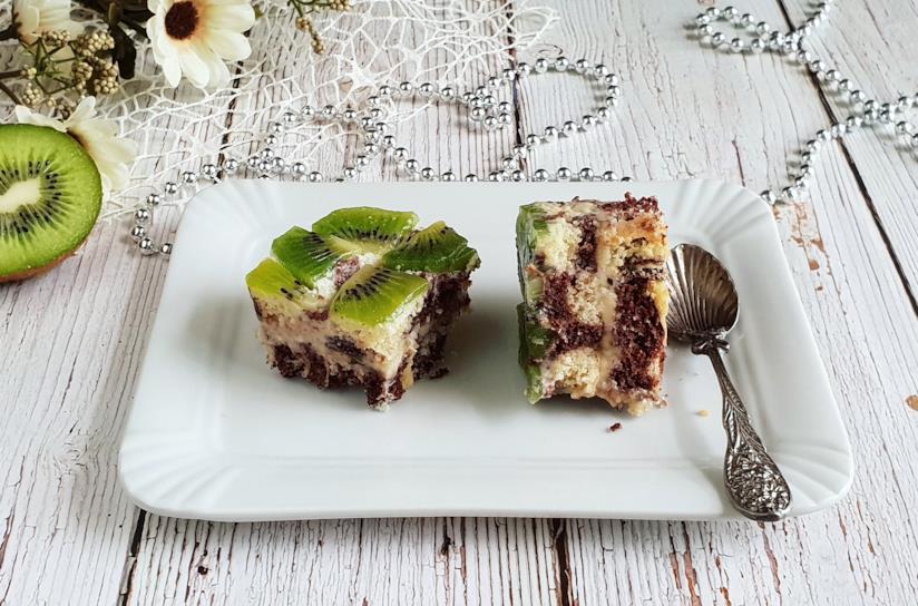 Fette di torta al kiwi