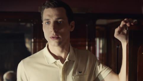 Damien Chapelle in una scena dello spot Timeless
