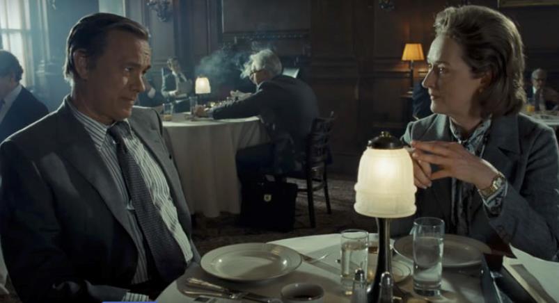 Tom Hanks e Meryl Streep in un ristorante di Washington  in The Post