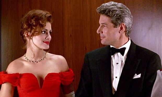 Julia Roberts con Richard Gere in una scena di Pretty Woman