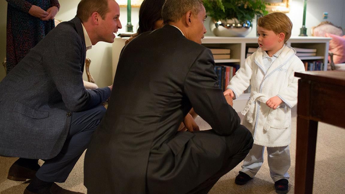 i pigiami e la biancheria da camera per i bambini